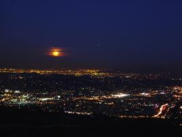 Moonrise over Los Angeles by AndySerrano