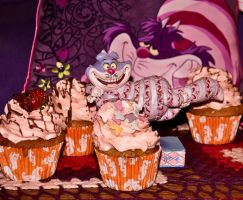 Cheshire Cat Cupcake by scribbleXcore