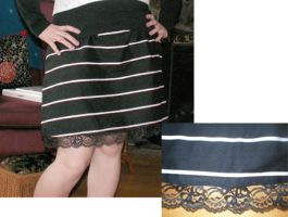 Striped skirt with lace trim by Duitauriel
