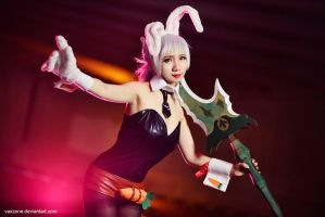 League of Legends - Battle Bunny Riven by vaxzone