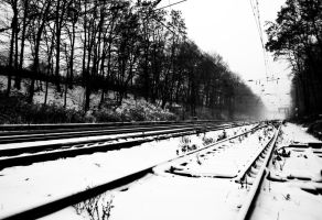 winter on the line 02 by quasiohnemodo