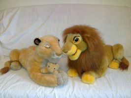 Lion King Mufasa and Sarabi with cub by Frieda15
