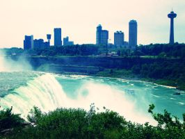 Niagara by evelynrosalia