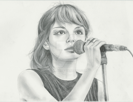 Lauren Mayberry by HLRose
