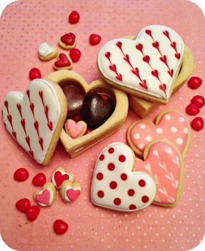 Valentine's Day Cookie Boxes by cake4thought