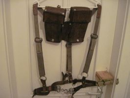Trench Braces by elShoggotho