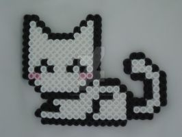 White Perler Kitty by VividButterflyAngel
