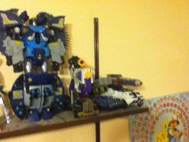 Transformers set 1: 4 photos left by Dield