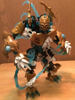 Bionicle moc The golden mask frost skull spider by Bronybeast99