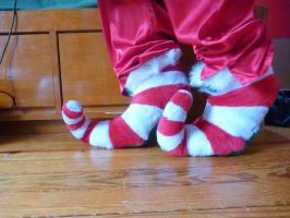 Curly-toed elf slippers, side by ExileLink
