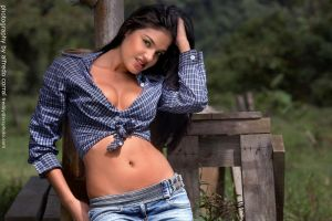 Country girl by freddycr25