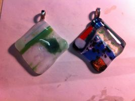 Glass necklaces by Se34r5