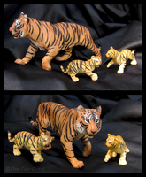 Safari Ltd. Vanishing Wild - Bengal Tiger by The-Toy-Chest