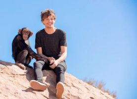 Louis laughing with a chimpanzee by Namine24