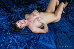 GlassOlive-7039 by GlamourStudios