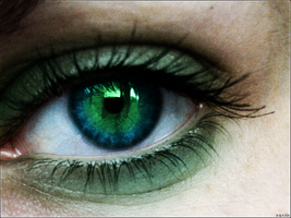 Green Eye by Xuxiix