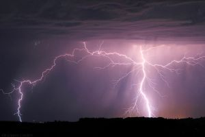 2011 08 18 Lightning strikes by FlorentCourty