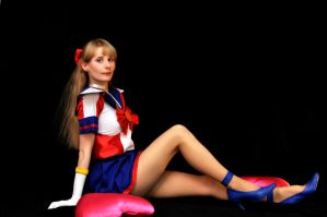 Lovely Warrior Sailor V by LoveSenshi