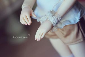 hands by teru-terun