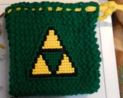 Triforce pouch by Yoroko666