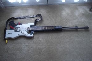 Alice's guitar gun (LMS) by finaformsora