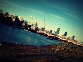 There by the river Thames by pusyna