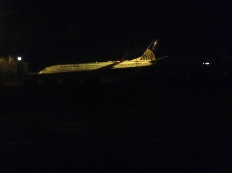 Boeing 737-800 by TheSniperKid