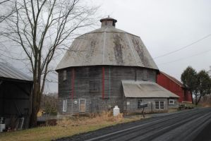 The Round Barn by morbiusx33