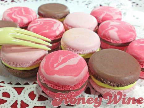 Macaron magnets @ arteVarie12 by rriee