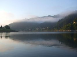 Colibita lake in the morning by LunaProject