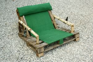 Pallet chair-with beer holder by Angel-Ronin