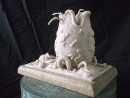 Facehugger and Egg Sculpture 01. by VOIDsculptures