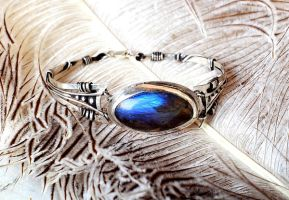 braselet with labradorite by Qeenjamaika