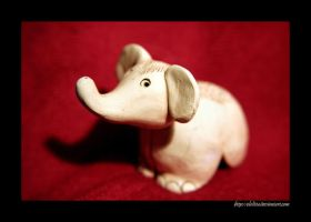 Little Elephant by elolitta