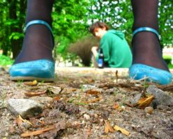 Grass, blue shoes and spring. by Nuoga