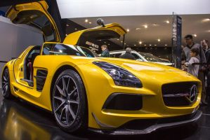 Detroit 2013: Mercedes Benz SLS AMG Black Edition by randomlurker