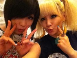 CL and Minzy by snowflakeVIP