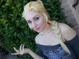 Frozen Elsa Wig Model and Make up Test by Antiquity-Dreams