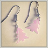 Christmas Tree Earrings by Lady-Kiwi