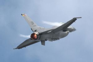 F-16 Climbing by harbingerdawn