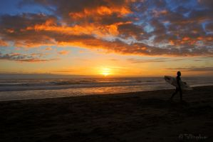 End Of A Surfing Day by Talkingdrum