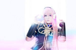 Luka In The Song Of Light by Inushio