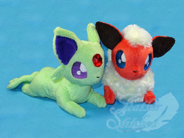 Teenee Eeveelution: Flareon and Espeon by FeatherStitched