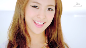[SC] f(Luna) - Electric Shock MV by imawesomeee03