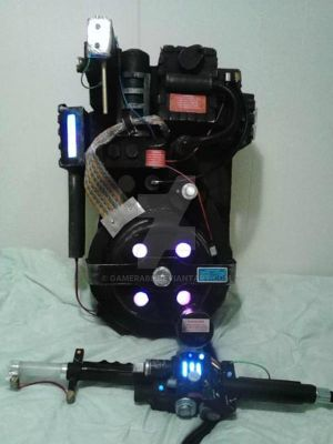 Scratch-built Ghostbusters Cardboard Proton Pack by gamera68