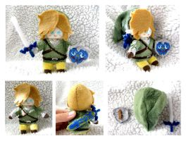 Link Plushie by sapphii