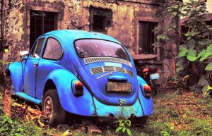 old VW beetle by MemoryGoat