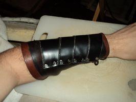 Plated bracer by LeTrefle