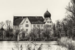 Neuhaus: the water-castle by Ulliart