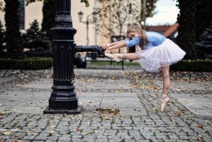 Little Dancer by PhotoYoung